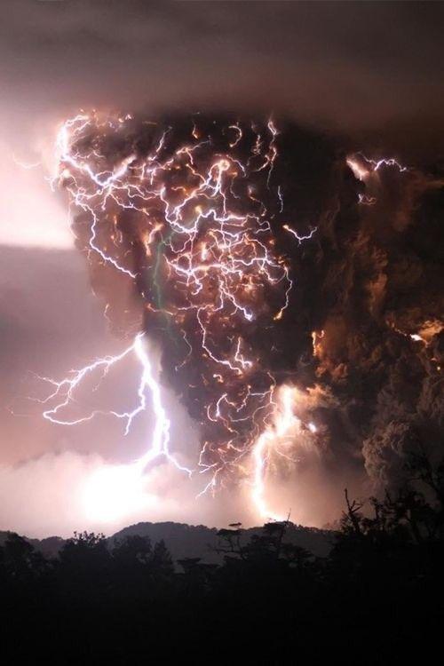 Scary Volcanic Lightning